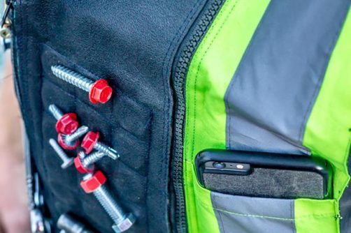 Pockets: 2 Pockets allowing you to hold non-magnetic tools.
